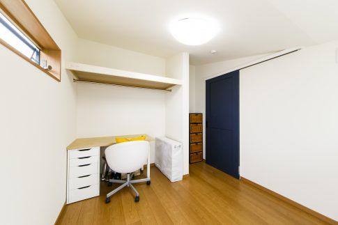 高低差で部屋に個性をつくりだす家